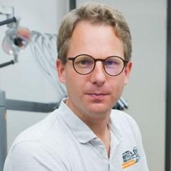 Drs. Joost de Jong